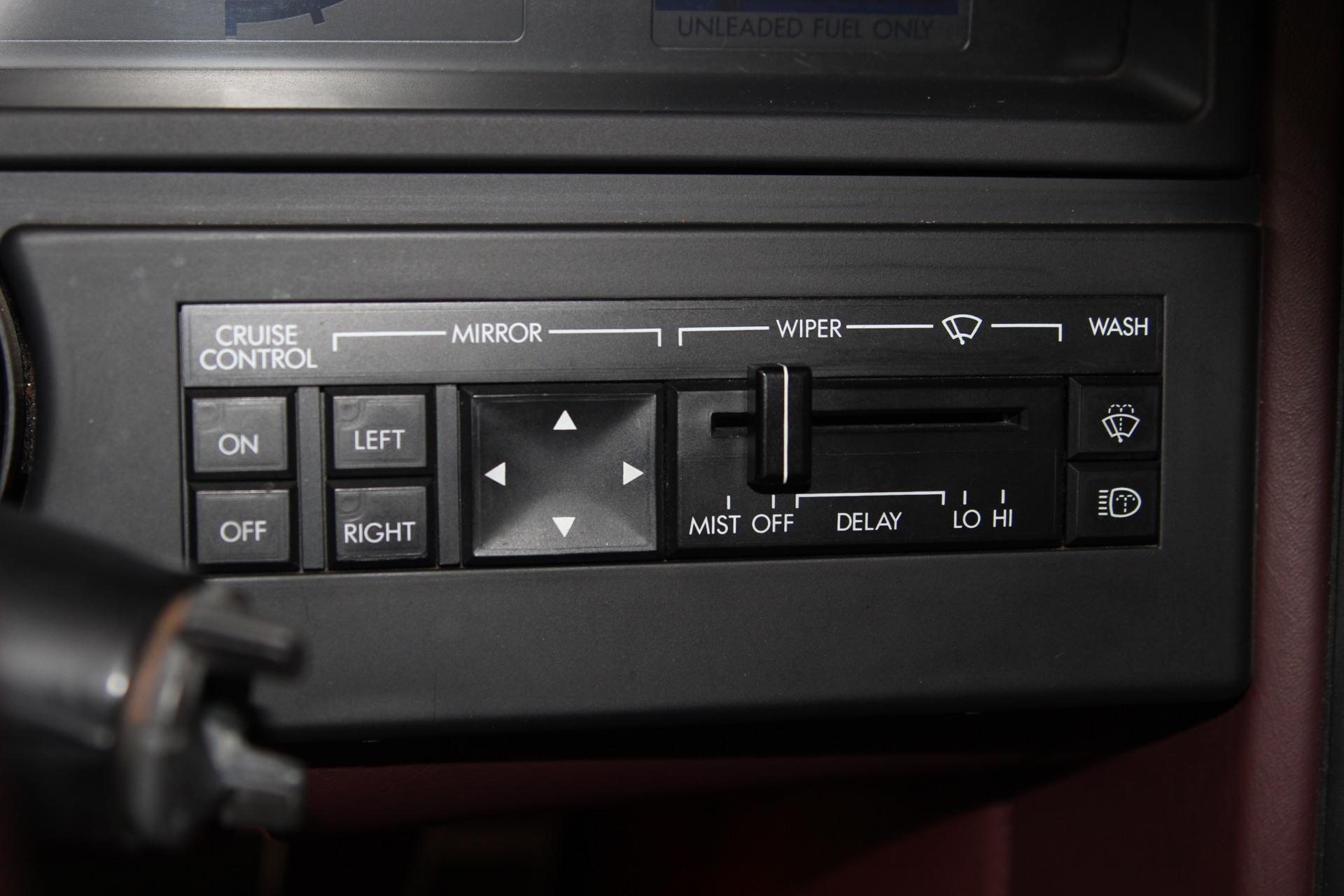 1987 Cadillac Allante 26