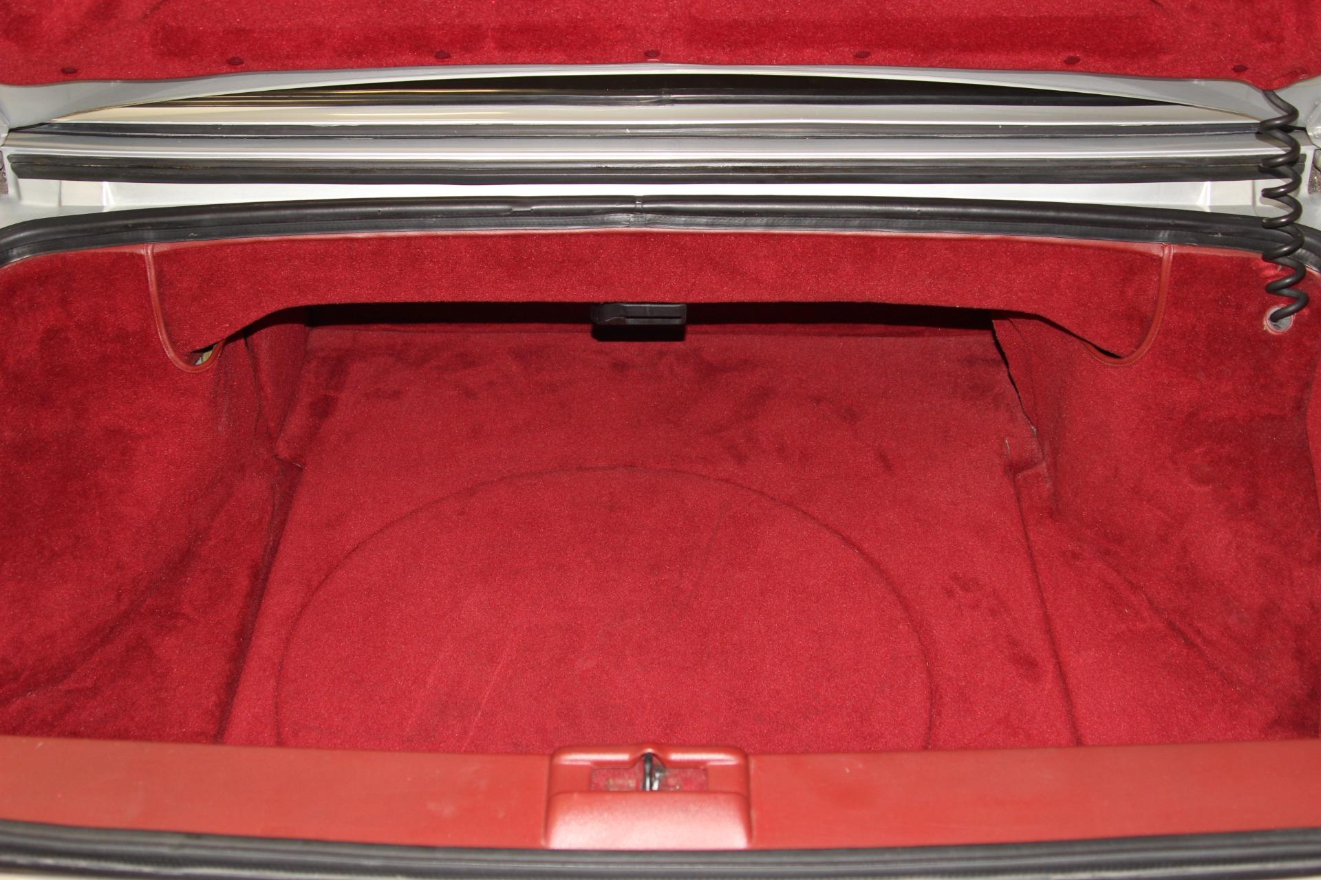 1987 Cadillac Allante 34