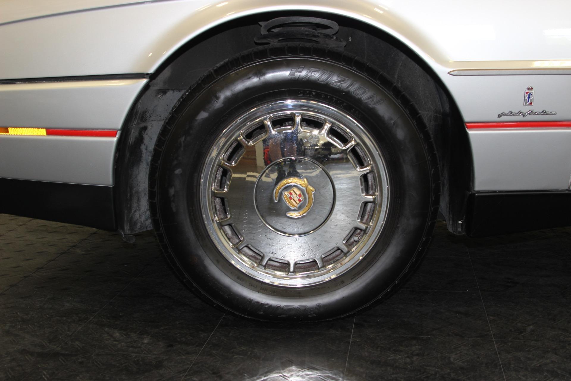 1987 Cadillac Allante 37
