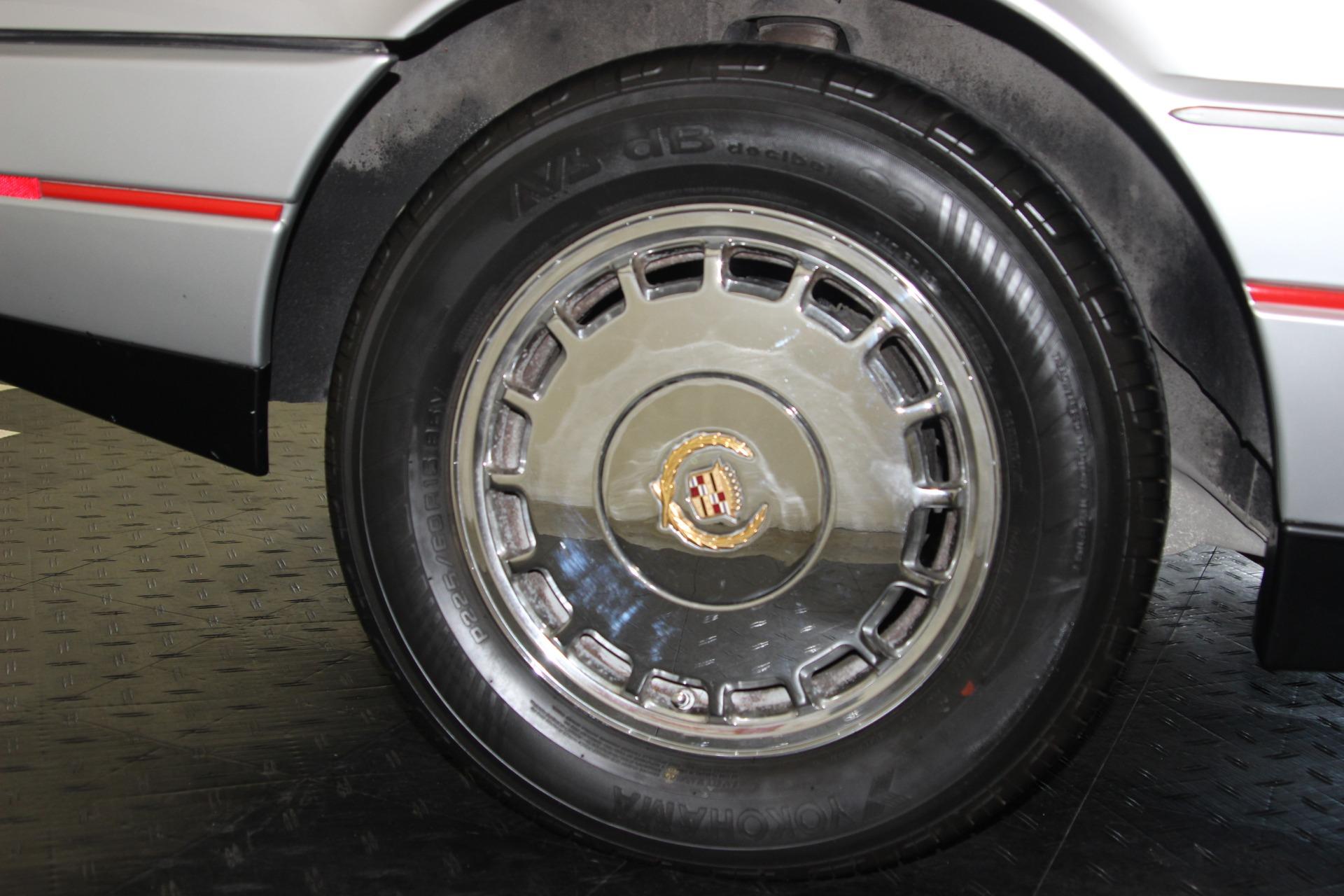 1987 Cadillac Allante 39