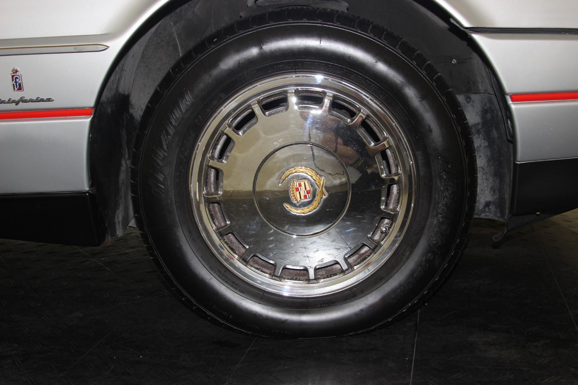1987 Cadillac Allante 40