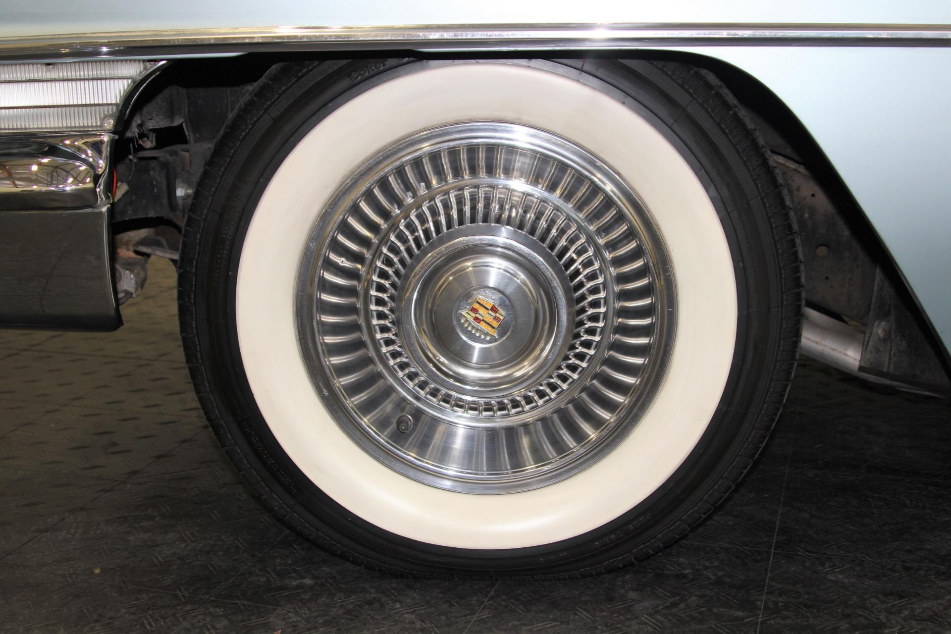 Used-1963-Cadillac-Series-62-Convertible
