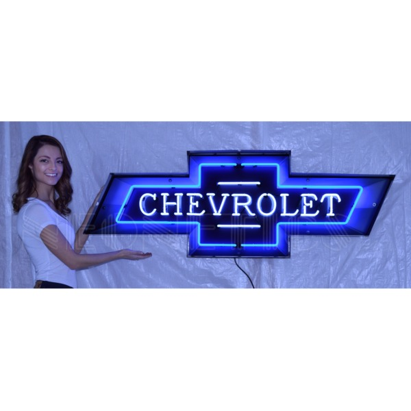 New-2018-Chevrolet-Bowtie