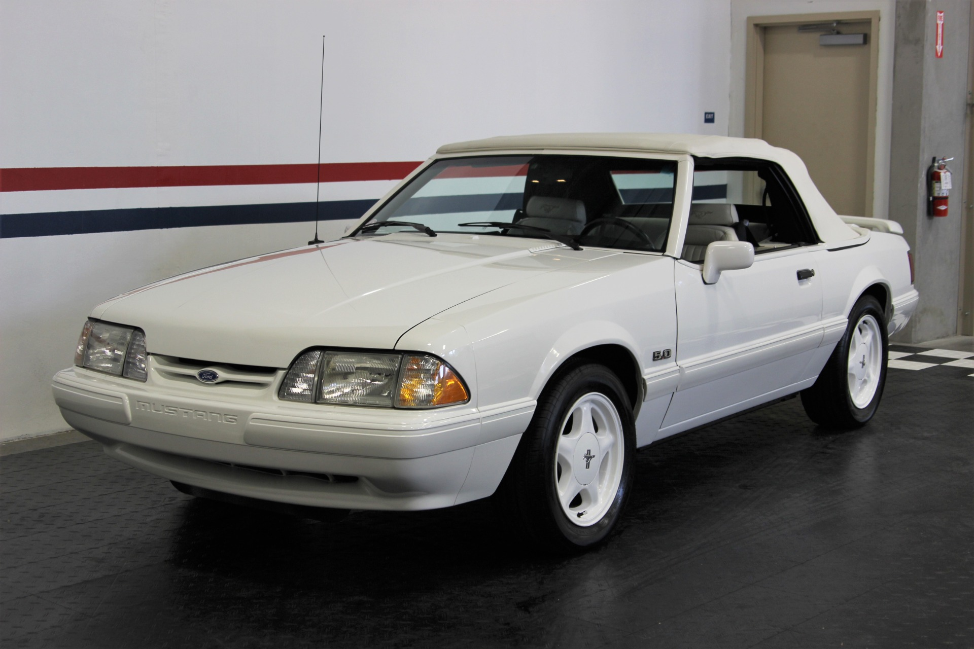Used-1993-Ford-Mustang-LX-50