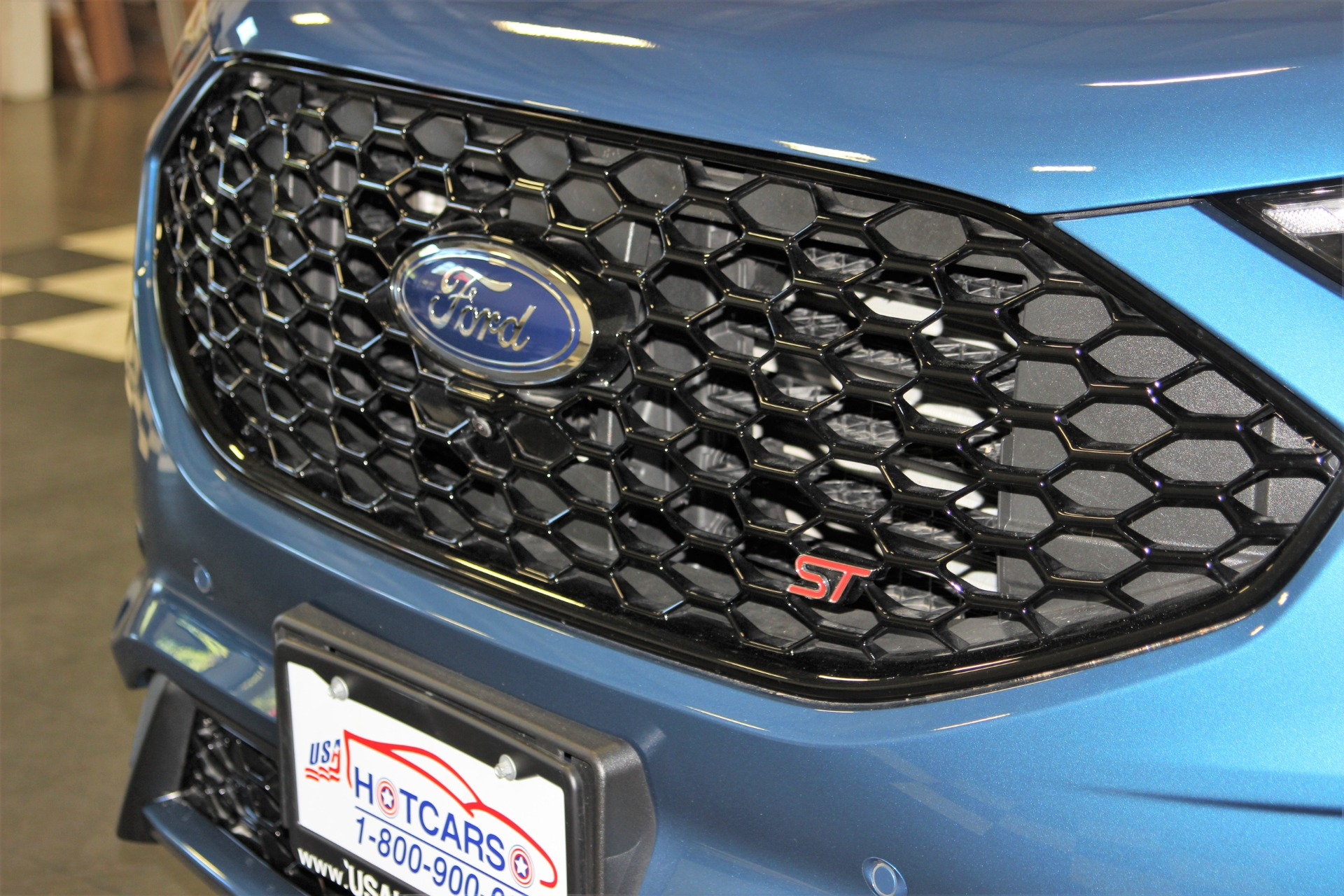 Used-2019-Ford-Edge-ST
