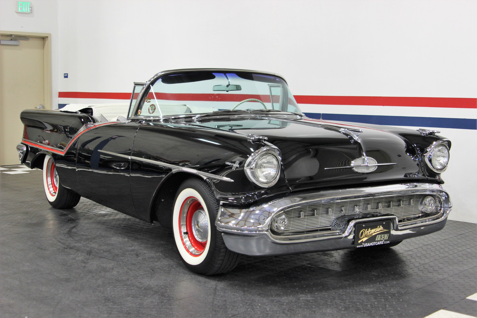 Used-1957-Oldsmobile-Super-88-J-2