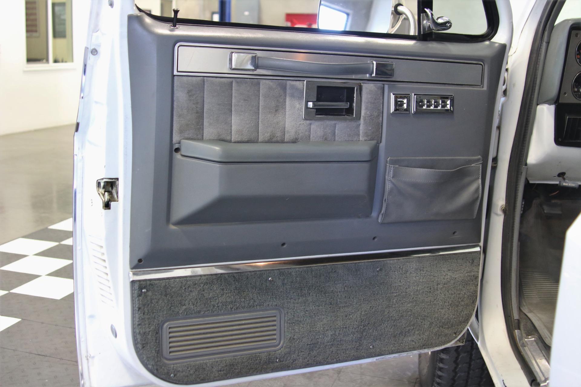 Used-1985-GMC-Suburban-K2500