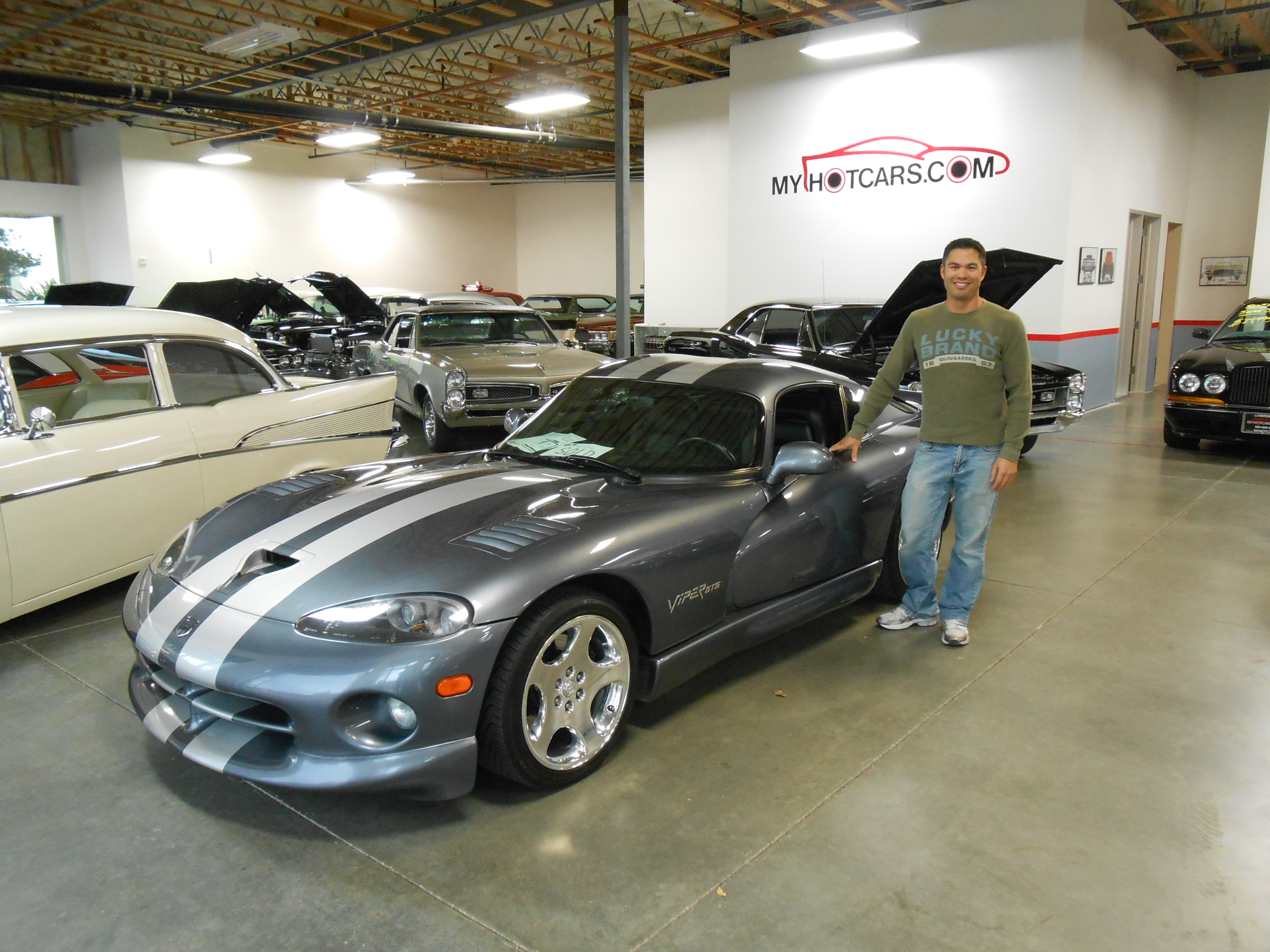 Lucas T. - 2000 Dodge Viper